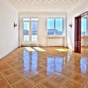Apartament spatios 4 camere Universitate